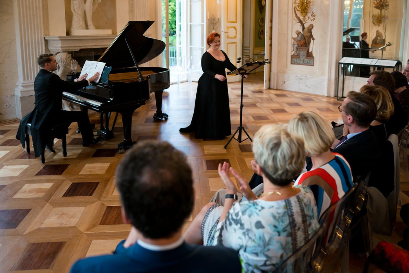 Justyna Stępień - sopran ; Krzysztof Trzaskowski - fortepian || FESTIWAL. FRYDERYK CHOPIN – PIEŚNI I UTWORY INSTRUMENTALNE / 18.07.2019. Fot. Maciej Czerski