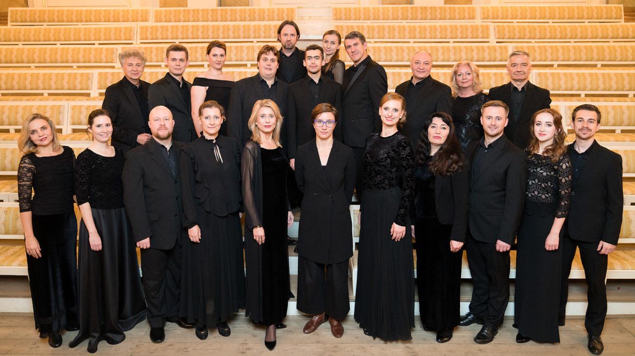 Zespół Wokalny Polskiej opery Królewskiej. Fot. Maciej Czerski